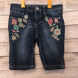 EUC girls embroidered Bermuda shorts